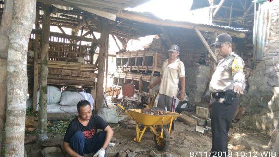 Sambang Kerukunan Warga Bhabinkamtibmas Kelurahan Songgokerto Polsek BatuPolres Batu
