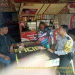 Bhabin Desa Oro Oro Ombo Polsek Batu Kota Sambang Ke Warung Mitra Bhabinkamtibmas Ajak Tingkatkan Kamling