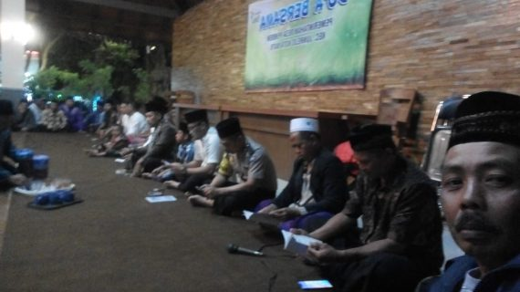 Bhabin desa Pendem Polsek junrejo Polres Batu hadiri acara do'a bersama majelis sholawat wahidiyah.