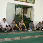 Waka Polres batu Kompol Zein Mawardi Amd Mengikuti Binrohtal di masjid Roudlotul AmniPolres batu.