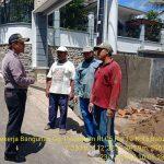 Bhabinkamtibmas Polsek Batu Kota Polres Batu tberkunjung kepada warga Bpk. Hasyim dan Pekerja Bangunan