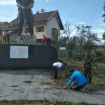 Peringati Hari Pahlawan, Polsek Ngantang Bersama Muspika Kerja Bakti MonumenPalagan Mendalan