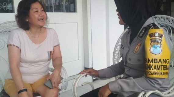 Silaturahmi Kerukunan Warga Oleh Anggota Bhabin Desa Pesanggrahan Polsek Batu Kota Polres Batu