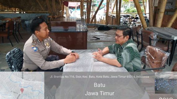 Sambang Tempat Wisata Guna Sampaikan Pesan Kamtibmas Oleh Anggota Bhabin Kelurahan Sisir Polsek Batu Polres Batu