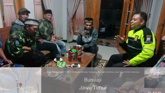 Anggota Bhabinkamtibmas Ds.Tulungrejo,Polsek Bumiaji Polres Batu Berikan Himbauan Kamtibmas Kepada Warga Binaan