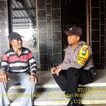 Door To Door System di Rumah Warga Binaan Oleh Bhabin Kelurahan Temas Polsek Batu Kota Polres Batu Guna Titipkan Pesan Kamtibmas