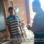 Sambang Warga Oleh Anggota Bhabinkamtibmas Desa Sidomulyo Polsek Batu Kota Polres Batu Sampaikan Pesan Kamtibmas