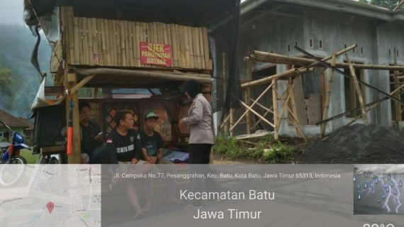 Sambangi Tempat Parkir Oleh Anggota Bhabin Desa Pesanggrahan Polsek Batu Kota Polres Batu Sampaikan Pesan Kamtibmas