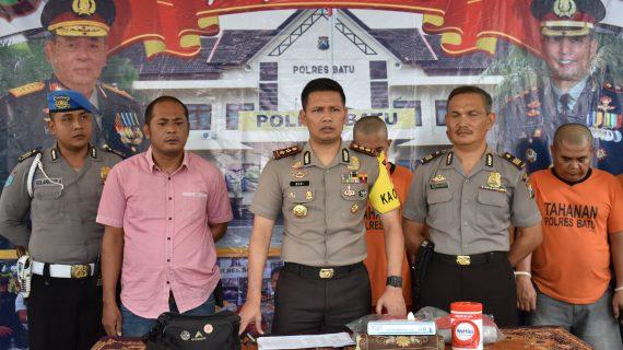 Kapolres Batu AKBP Budi Hermanto,SIK, M.Si gelar Konferensi Pers Ungkap kasus Curanmor dengan 30 TKP