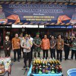 Dalam rangka Harkamtibmas Jelang Hari Natal dan tahun Baru, Polres Batu laksanakan Pemusnahan ratusan botol Miras Ilegal