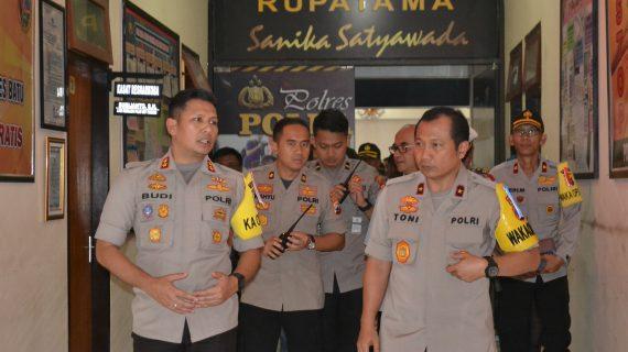 Wakapolda Jatim Brigjen Pol Drs. Tony Hermanto laksanakan kunjungan kerja ke Polres Batu