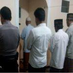 Tingkatkan Silaturahmi, Polsek Batu Polres Batu Shalat Bersama Warga