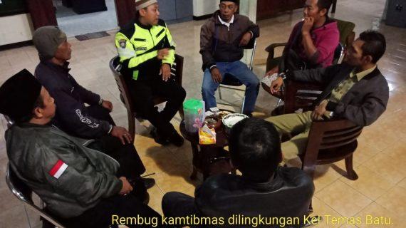 SINERGI TIGA REMBUG NGOPI BARENG POLRES BATU GUNA ANTISIPASI KERAWANAN DI BULAN DESEMBER