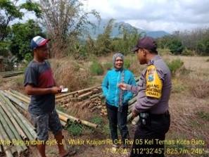 Bhabinkamtibmas Silaturahmi dan DDS Warga, Sambang Penjual Bambu Bhabinkamtibmas Kelurahan Temas Polsek Batu