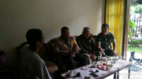 Silaturahmi Tokoh Masyarakat Bhabinkamtibmas Kel Songgokerto Polsek Batu