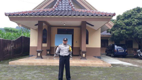 Kegiatan Pengamanan Tempat Ibadah, Polsek Bumiaji Polres Batu Laksanakan Patroli