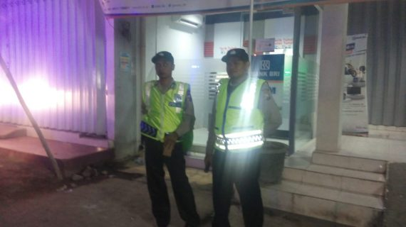 Tingkatkan Keamanan Wilayah, Patroli Malam Polsek Batu Polres Batu