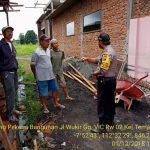 Giatkan program DDS , Bhabinkamtibmas Kel Temas Batu Sambangi Pekerja Bangunan Sampaikan Pesan Kamtibmas