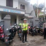 Tingkatkan Keamanan Tempat Ibadah, Polsek Junrejo Polres Batu Laksanakan Pengamanan Gereja