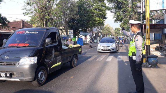 Bentuk Pelayanan Prima, Satlantas Polres Batu Poros Pagi Di Simpul Simpul jalan Rawan Kemacetan