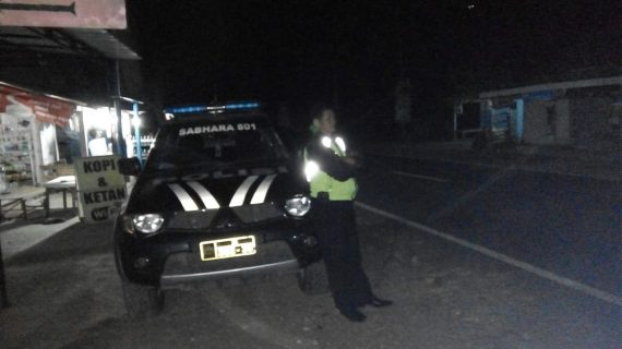 Patroli Anggota Polsek Pujon Polres Batu Giatkan Patroli Jaga Malam