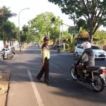 Gelar Anggota Polsek Kasembon Polres Batu Poros Pagi Agar Arus Lalin Tetap Lancar