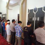 Upaya Tingkatkan Sinergitas Dan Harkamtibmas Polsek Pujon Polres Batu Melaksanakan Shalat Bersama Warga