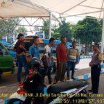 Bersama Babinsa Anggota Bhabin Kelurahan Temas Polres Batu Mediasi Pemasalahan Angkutan Umum Dengan Jatim Park II