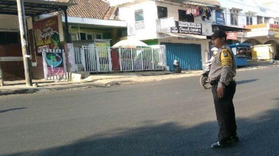 Giat Pelayanan Pagi, Polsek Junrejo Polres Batu Poros Pagi Bantu Kelancaran Arus Lalin di Wilayahnya