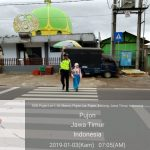 Perlancar Mitra Kerja di Masyarakat Binaannya, Polsek Pujon Polres Batu Poros Pagi Bantu Kelancaran Arus Lalin