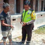 Anggota Bhabinkamtibmas Polsek Batu Kota Polres Batu Patroli Kunjungi masyarakat sampaikan Himbauan Kamtibmas jelang Pilpres
