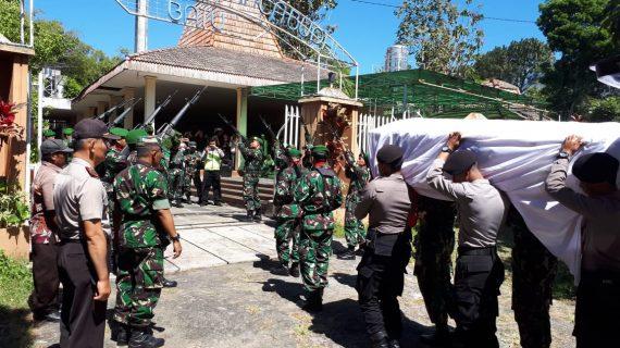 Polres Batu Menghadiri Prosesi kremasi ( Alm Kopral Husodo Ngari erfan ) Jenasah di Krematorium Junrejo