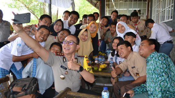 Ajak Pelajar Turut Menjaga Situasi Kamtibmas, Kapolres Batu Gelar Cangkru'an Kamtibmas