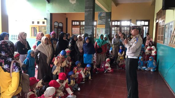Sosialisaikan Ops Zebra Semeru 2019, Anggota Polres Batu Datangi Sekolah – Sekolah