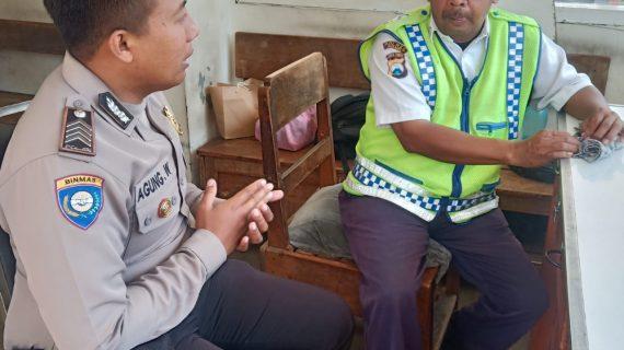 Sambang Satpam Peningkatan Pam Swakarsa Bhabinkamtibmas Kelurahan Sisir Polsek Batu