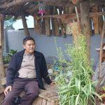 Silaturahmi kepada Tokoh Masyarakat , Bhabinkamtibmas Desa Sumberejo Polsek Batu serap Informasi Kamtibmas