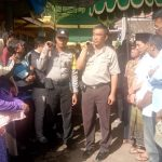 Kapolsek Junrejo dan Bhabinkamtibmas melaksanakan takziah ke  tokoh masyarakat Desa Tlekung yang meninggal dunia