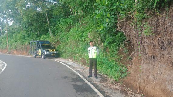 Patroli Polsek Bumiaji antisipasi daerah rawan bencana alam