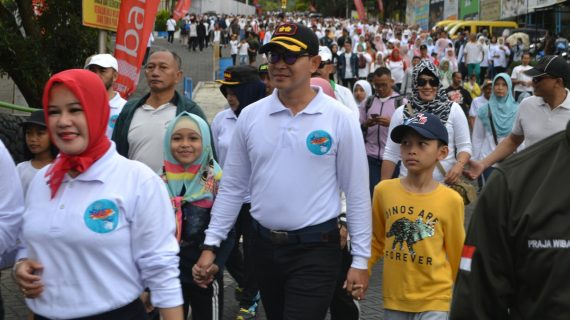 Kapolres ajak mlaku bareng masyarakat bersama Forkopimda Kota Batu