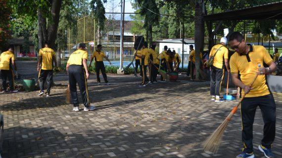Hindari wabah corona, Polres Batu bersih – bersih markas