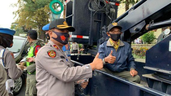10.000 Masker Gratis dibagikan Polres Batu