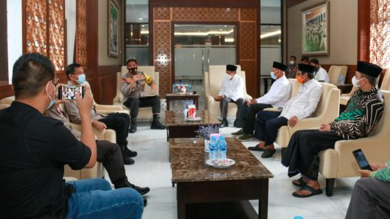 Upaya Menangkal Covid-19 dan Radikalisme Di Masjid.