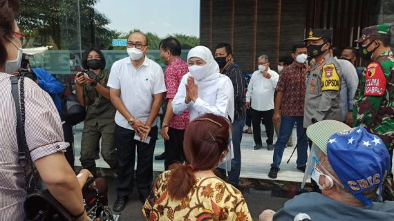 Vaksinasi Covid-19 Lansia di Surabaya, Menkes: Sebanyak 38 Juta Akan Terima Vaksinasi Covid-19 Ditargetkan Akhir Bulan Juni 2021
