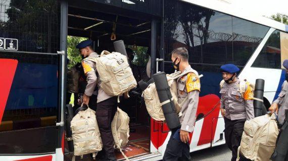 75 Personel Satbrimob Polda Jatim BKO ke Polda NTT Bantu Korban Bencana Alam