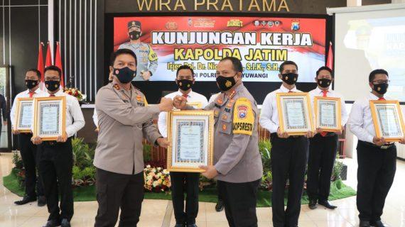 Kapolresta Banyuwangi Sabet Dua Penghargaan Dari Kapolda Jatim