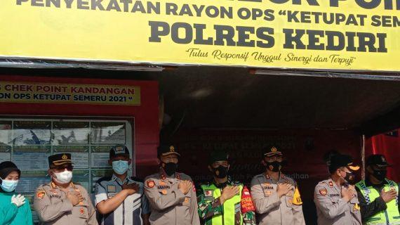 Cek Pos Penyekatan Ops Ketupat Rayon II Polres Batu oleh Kakor Sabhara Mabes Polri