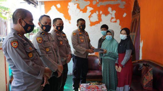 Kapolresta Mojokerto Anjangsana ke Anak Yatim Almarhum Anggota Polri